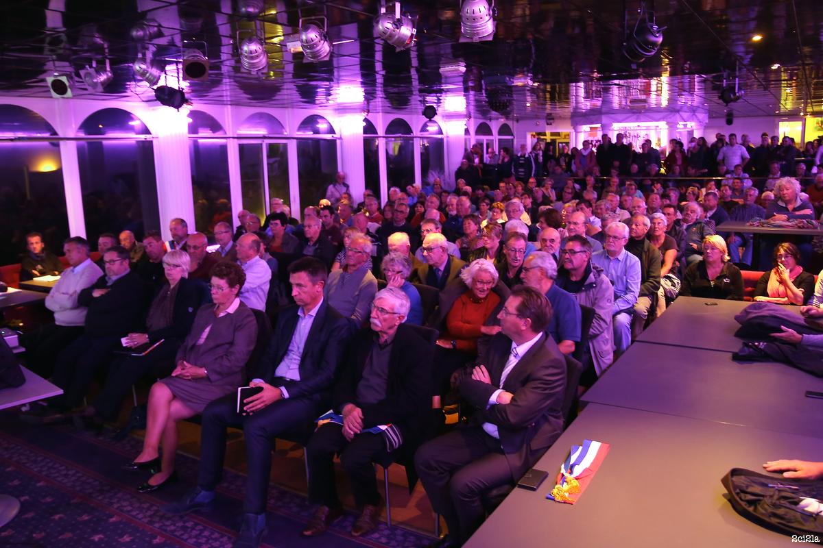 7 octobre 2015. Réunion de présentation, au casino, du nouveau projet de PPRN de Cayeux par les services de l'État.