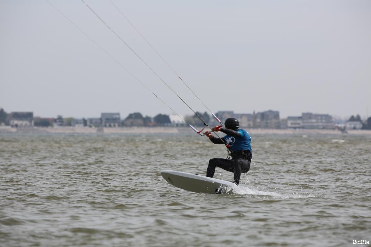 École de kitesurf de la baie de Somme. Foil au Hourdel. mai 2016