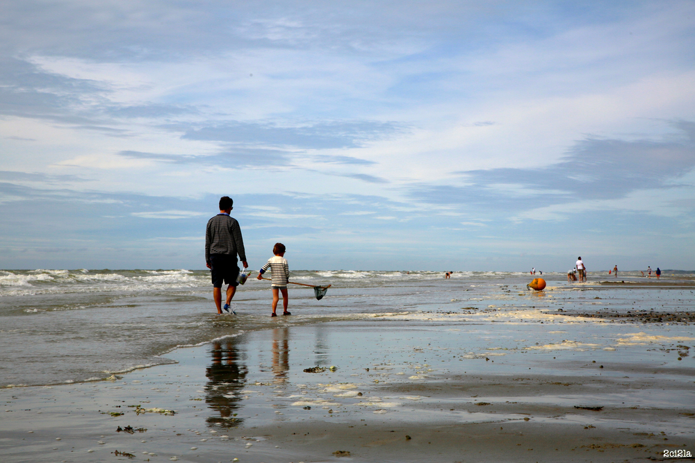 Frédéric et Gabriel à la pêche aux crevettes et aux crabes
