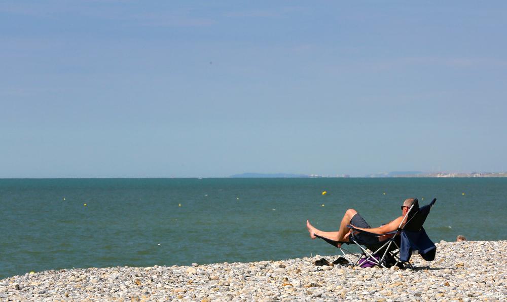 sieste sur la plage