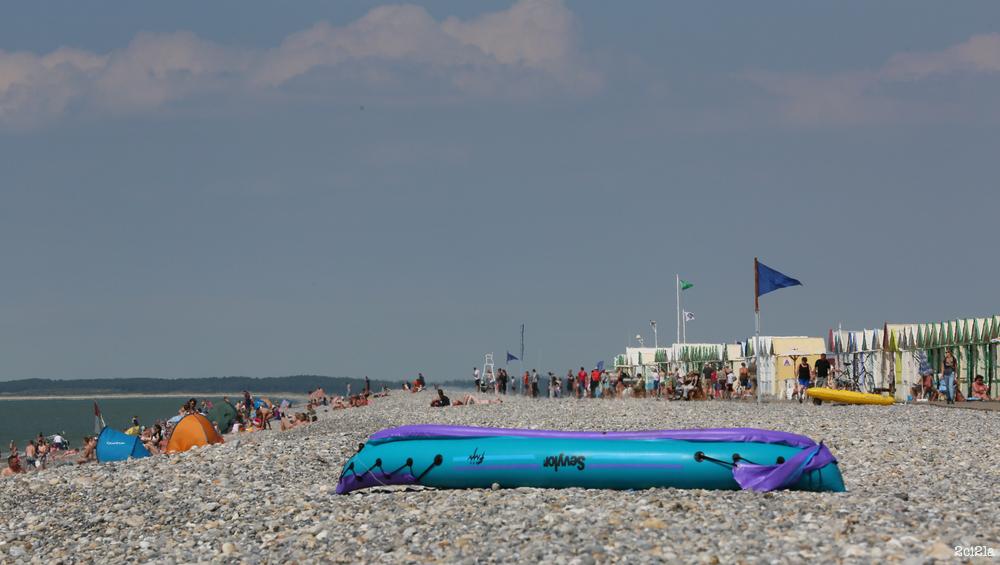 Pavillon bleu sur la plage